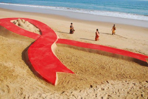 Giornata-Mondiale-Lotta-Aids-Red-Ribbon-620x350