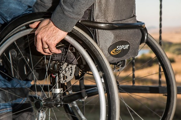 wheelchair-749985_640