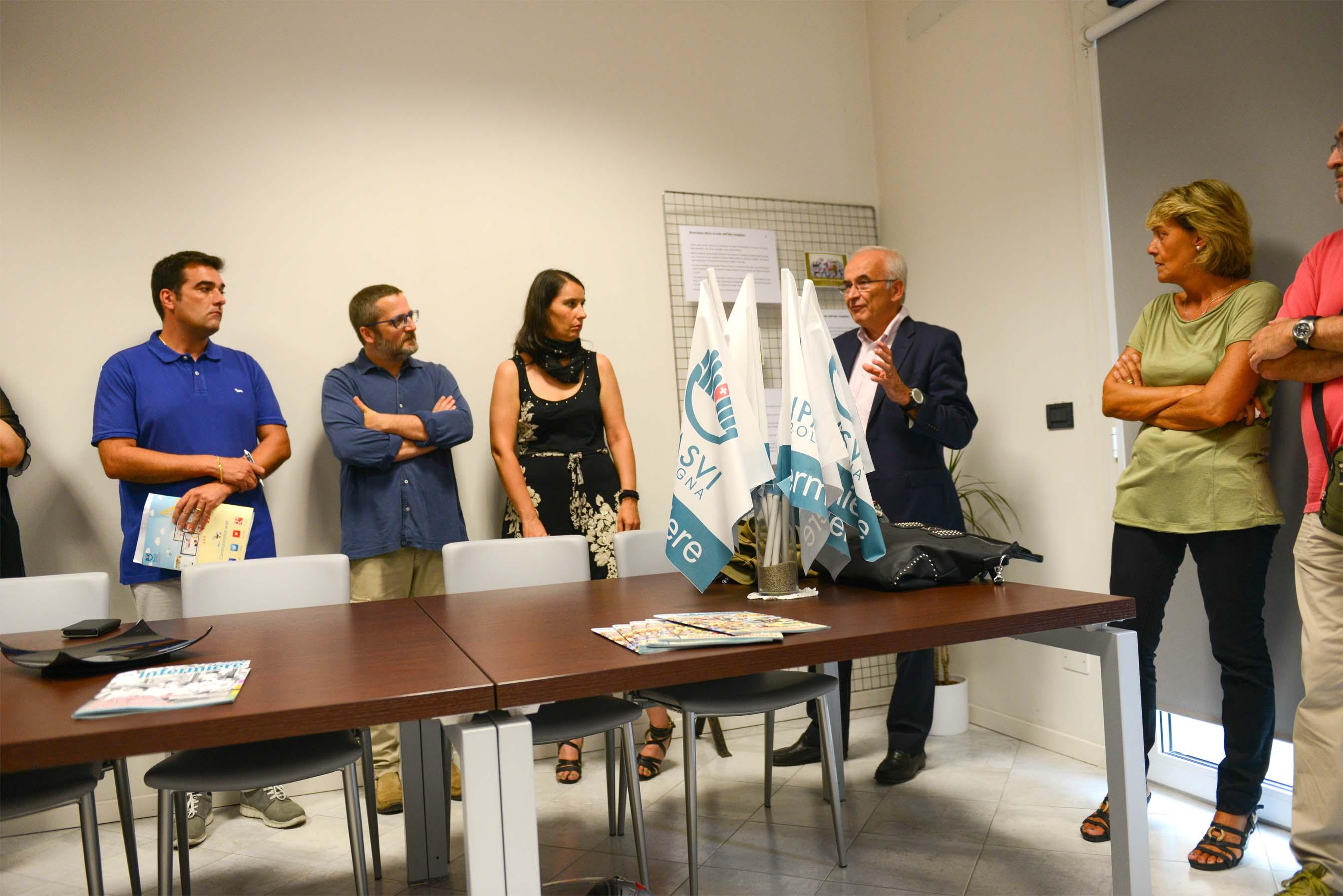 """Al Collegio inaugurata la Mostra """"Due minuti dopo ..."""