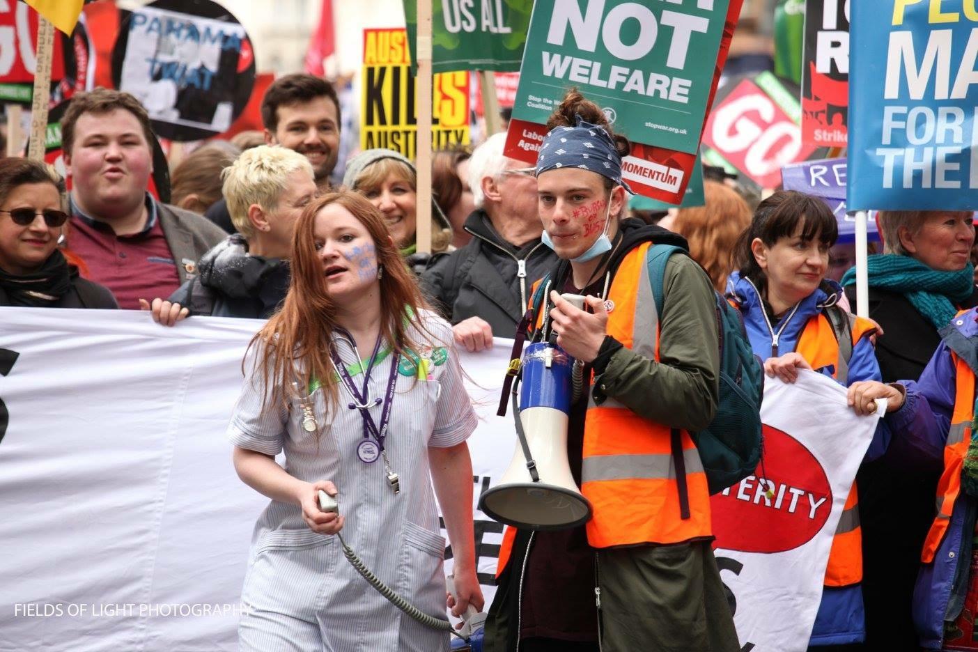 dbf32b8b80 16 aprile 2016, Londra, manifestazione contro l'abolizione delle borse di  studio.
